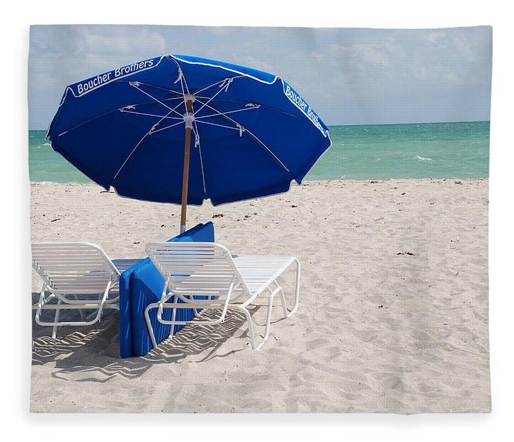 Sea Scape Fleece Blanket featuring the photograph Blue Paradise Umbrella by Rob Hans