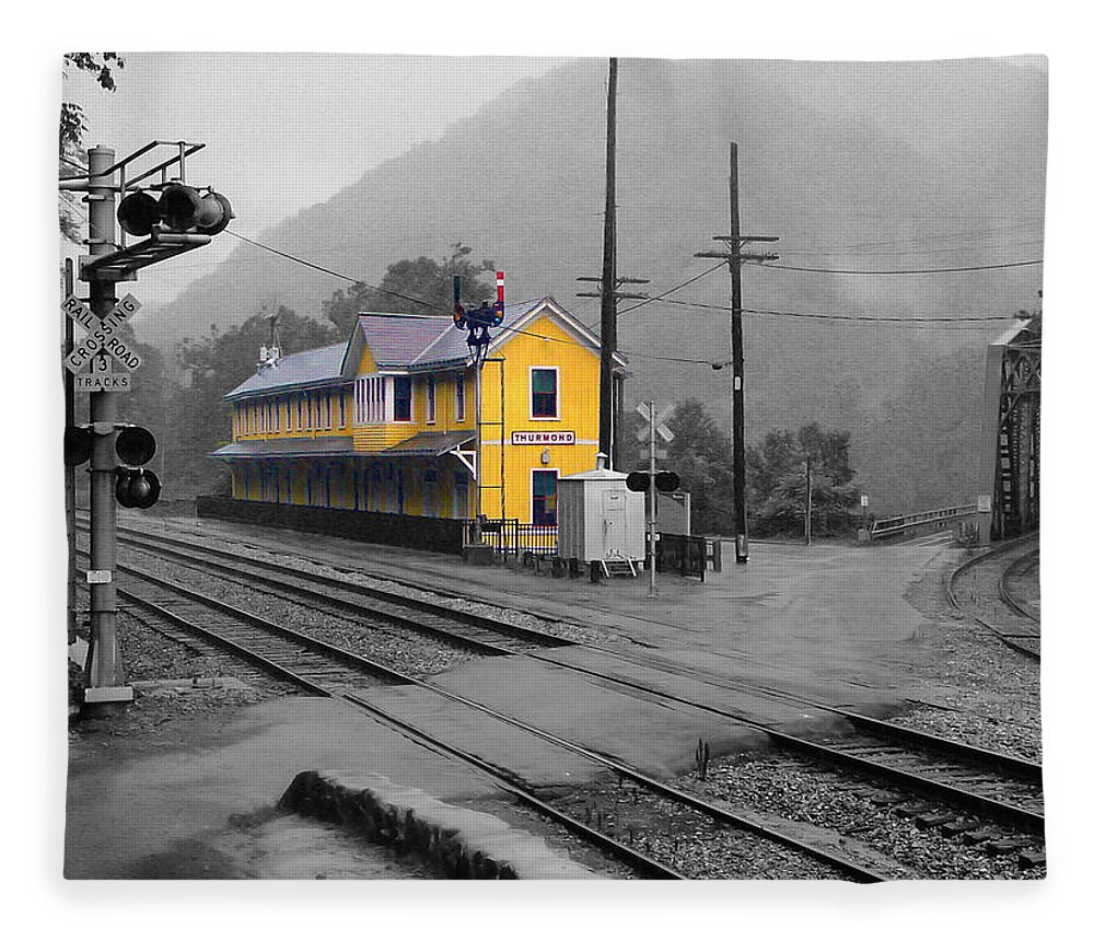 Pat Turner Fleece Blanket featuring the photograph Bright Spot In Thurmond by Pat Turner
