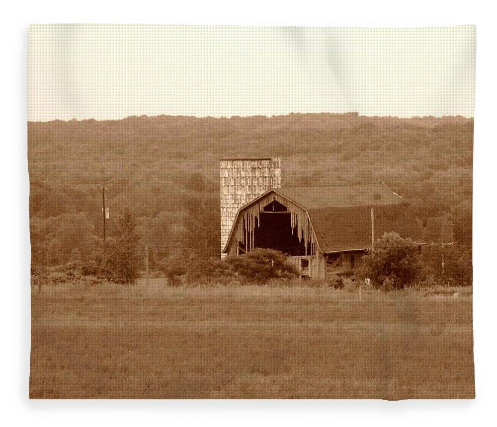 Barn Fleece Blanket featuring the photograph Broken by Rhonda Barrett