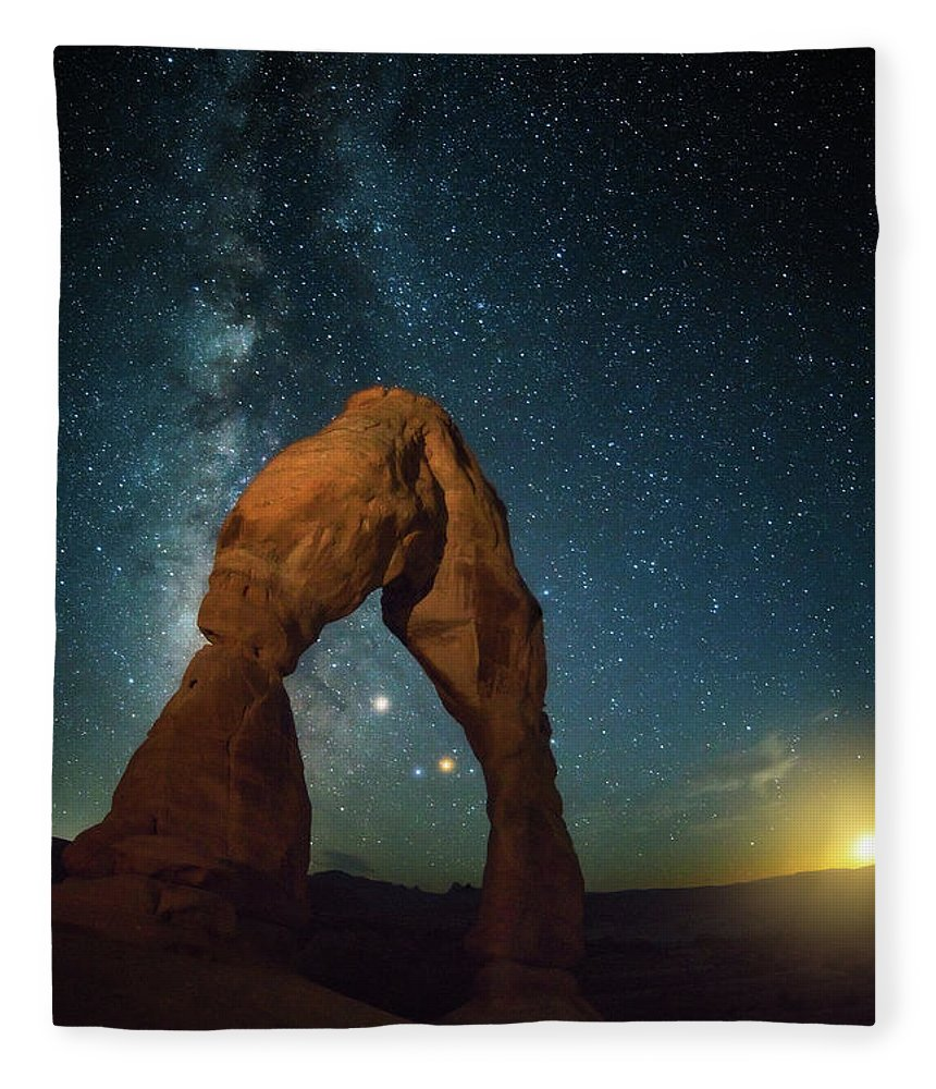 Delicate Arch Fleece Blanket featuring the photograph Delicate Arch Moonset by Darren White