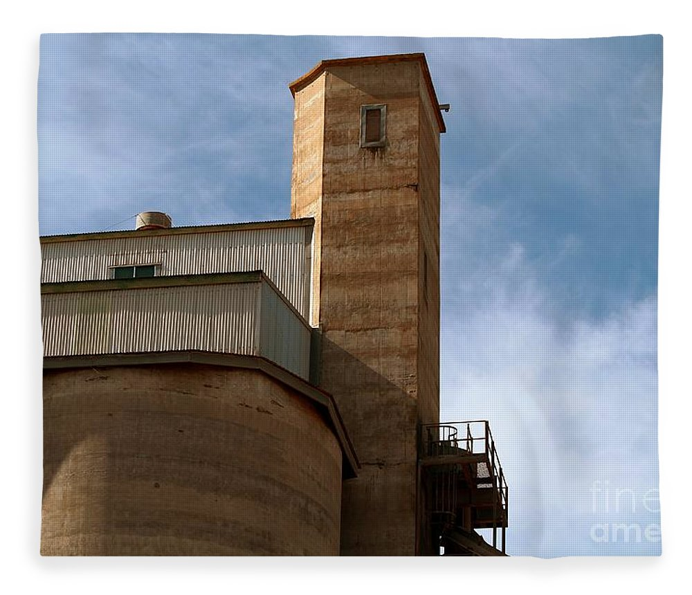 Silo Fleece Blanket featuring the photograph Kingscote Castle by Stephen Mitchell
