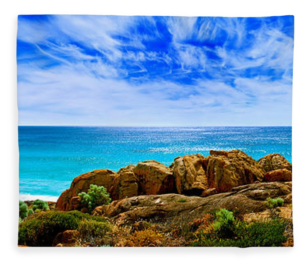 Smiths Beach Fleece Blanket featuring the photograph Look To The Horizon by Az Jackson