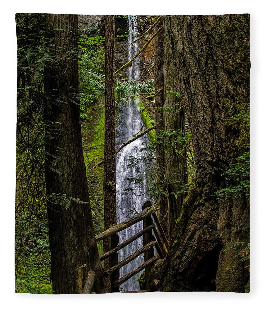 Water Fall Fleece Blanket featuring the photograph Mary Mere by Alana Thrower