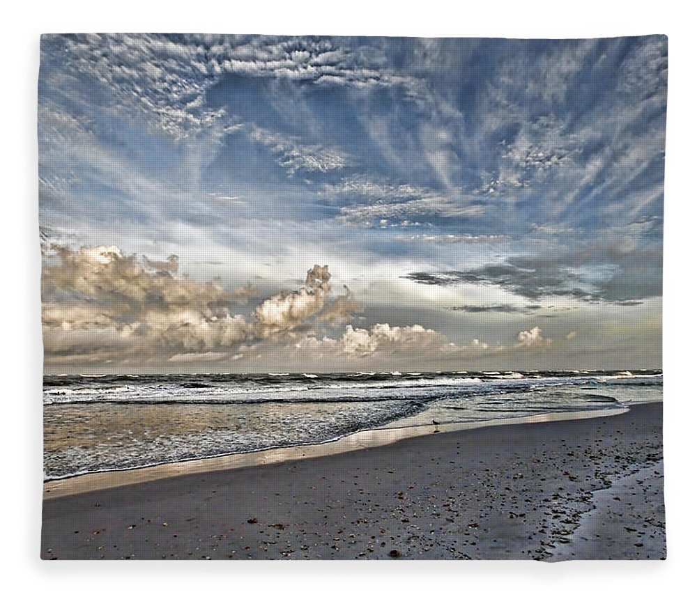 Longboat Key Florida Fleece Blanket featuring the photograph Morning Sky At The Beach by HH Photography of Florida