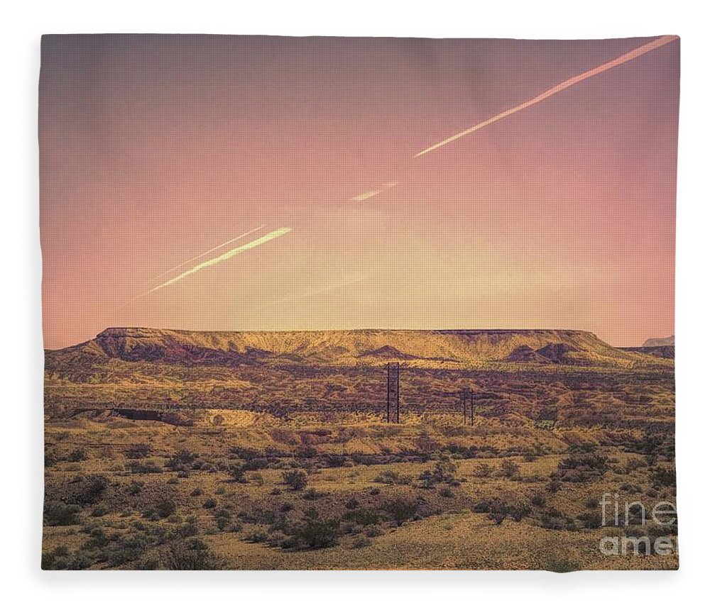 Valley Of Fire Fleece Blanket featuring the photograph Nevada Usa Valley Of Fire by Chuck Kuhn