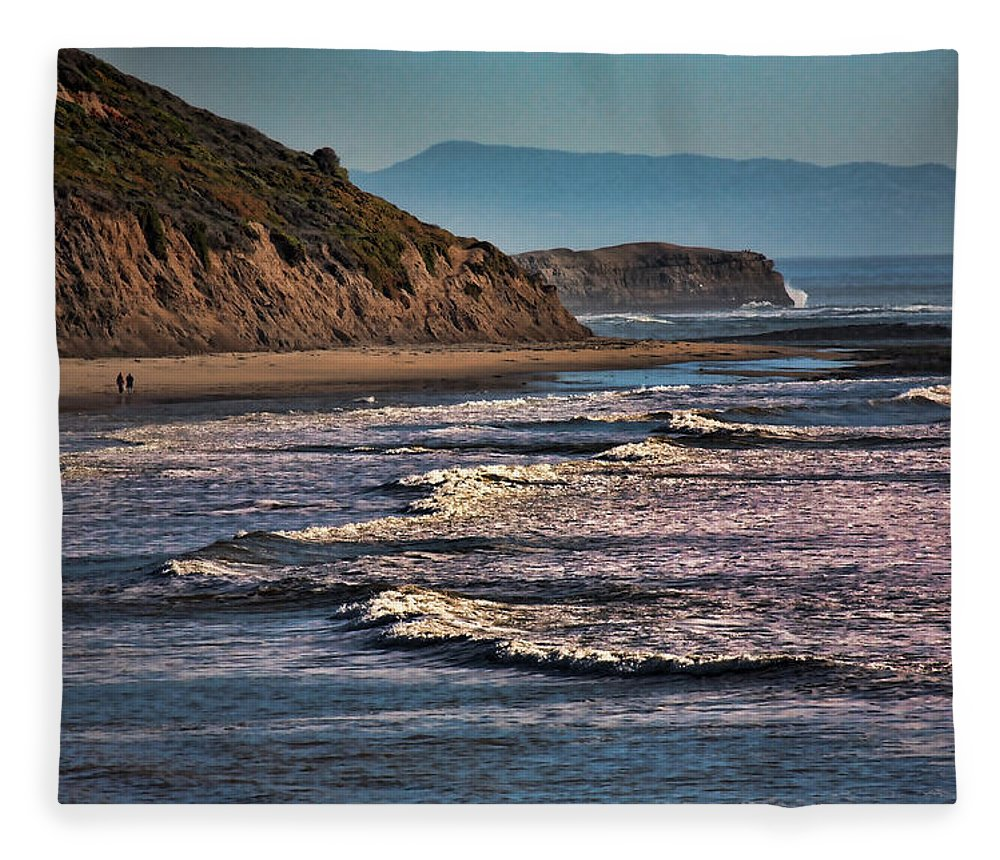 California Fleece Blanket featuring the photograph Pacific Ocean I by Chuck Kuhn