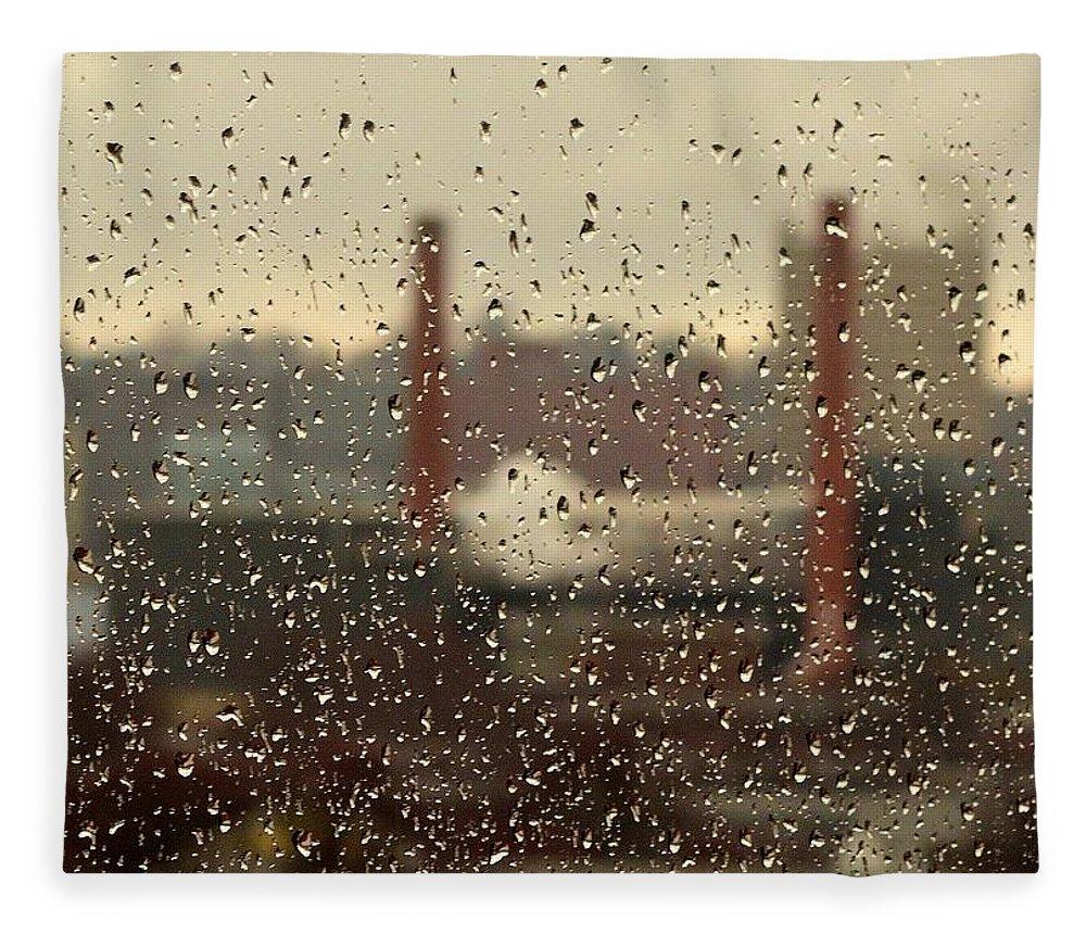 Rain Fleece Blanket featuring the photograph Raindrops by Lisa Kane