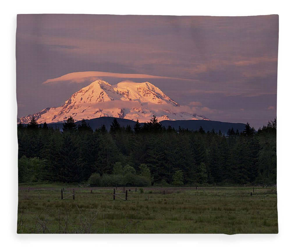 Mount Rainier Fleece Blanket featuring the photograph Rainier Dusk by Mike Reid