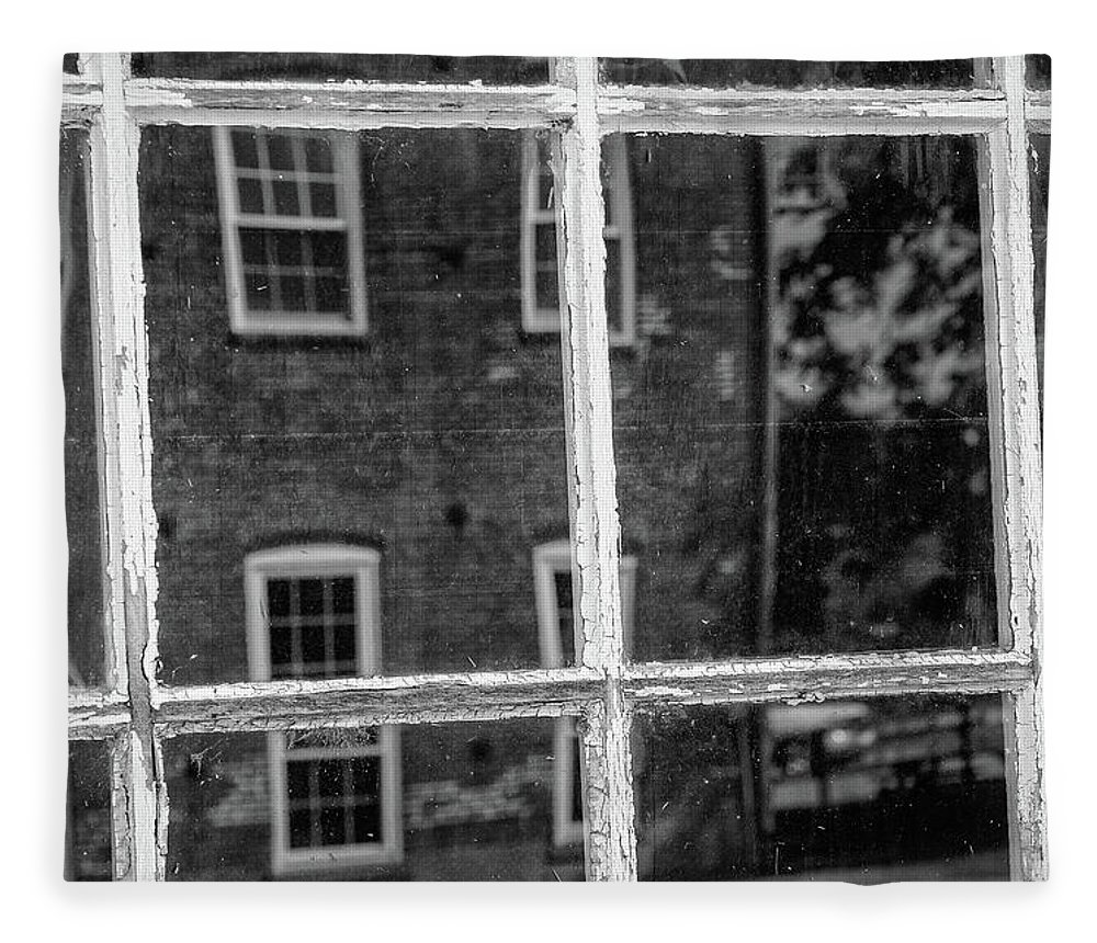 Monochrome Fleece Blanket featuring the photograph Reflecting History by Mike Cox