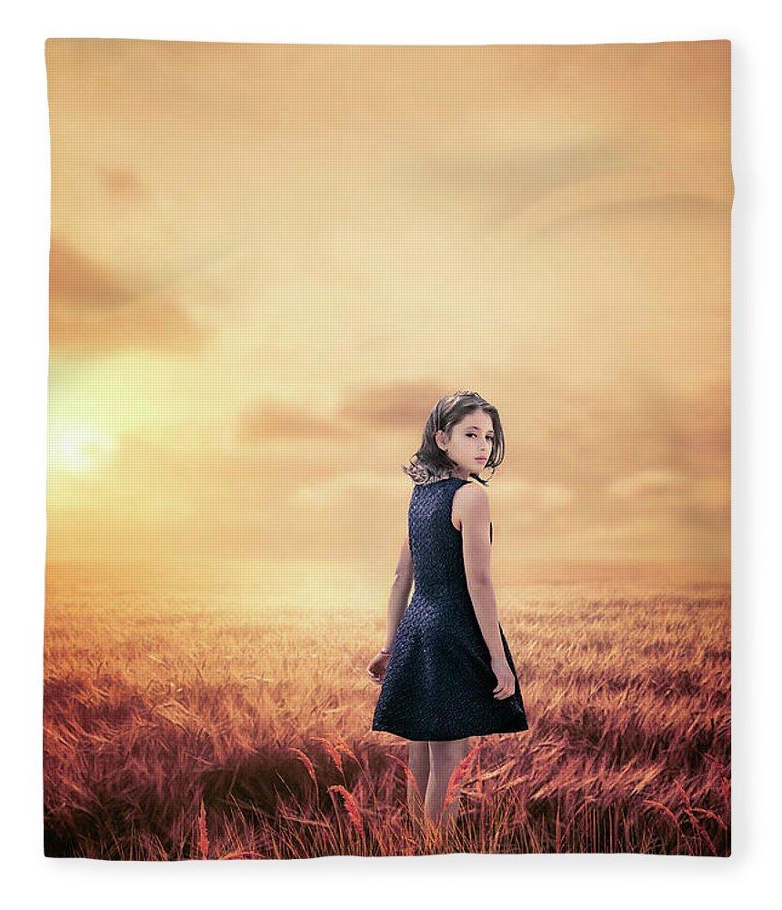 Kremsdorf Fleece Blanket featuring the photograph Return To Tomorrow by Evelina Kremsdorf