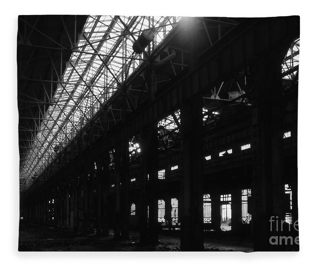 Buildings Fleece Blanket featuring the photograph The Back Shop by Richard Rizzo