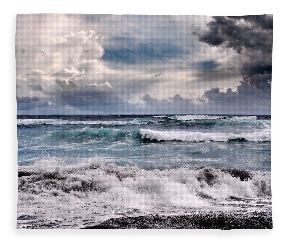 Aloha Fleece Blanket featuring the photograph The Music Of Light by Sharon Mau