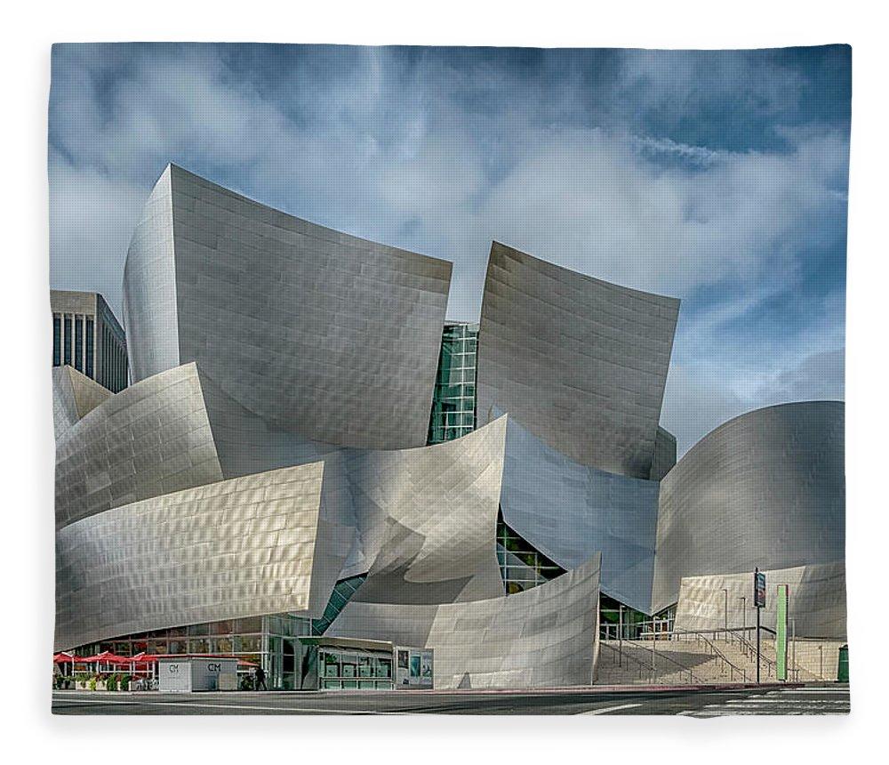 California Fleece Blanket featuring the photograph Walt Disney Concert Hall La Ca 7r2_dsc3465_17-01-17 by Greg Kluempers
