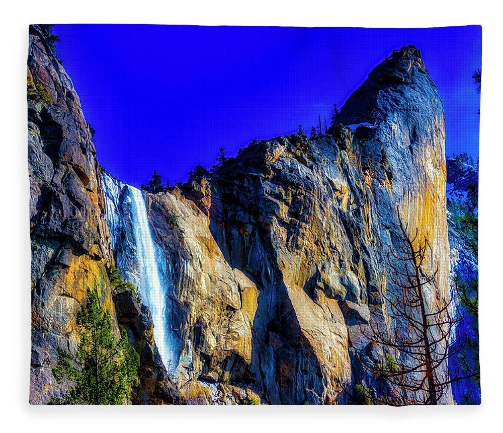 Bridalveil Fall Fleece Blanket featuring the photograph Winter Bridalveil Falls by Garry Gay