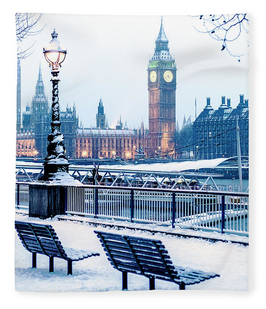 Clock Tower Fleece Blanket featuring the photograph Houses Of Parliament In The Snow by Doug Armand