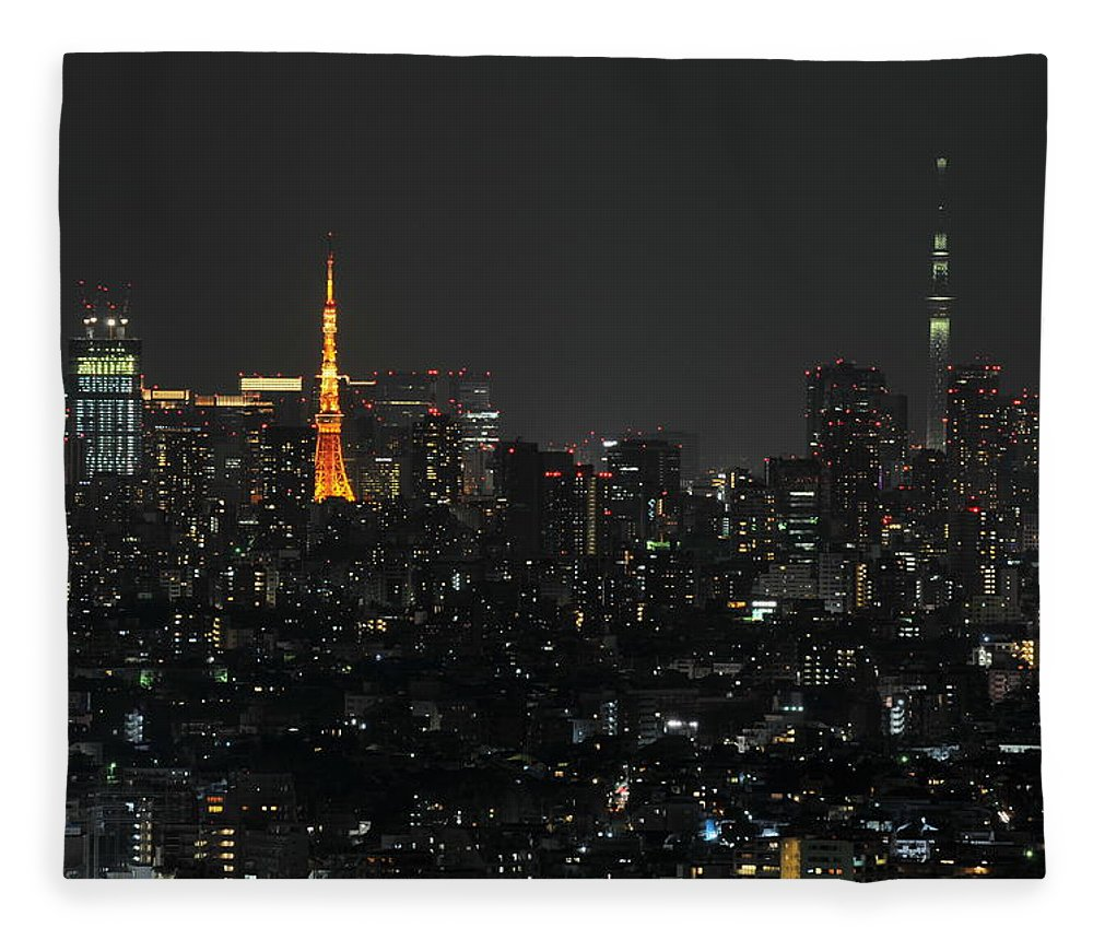 Tokyo Tower Fleece Blanket featuring the photograph Tokyo Tower And Tokyo Skytree by Masakazu Ejiri