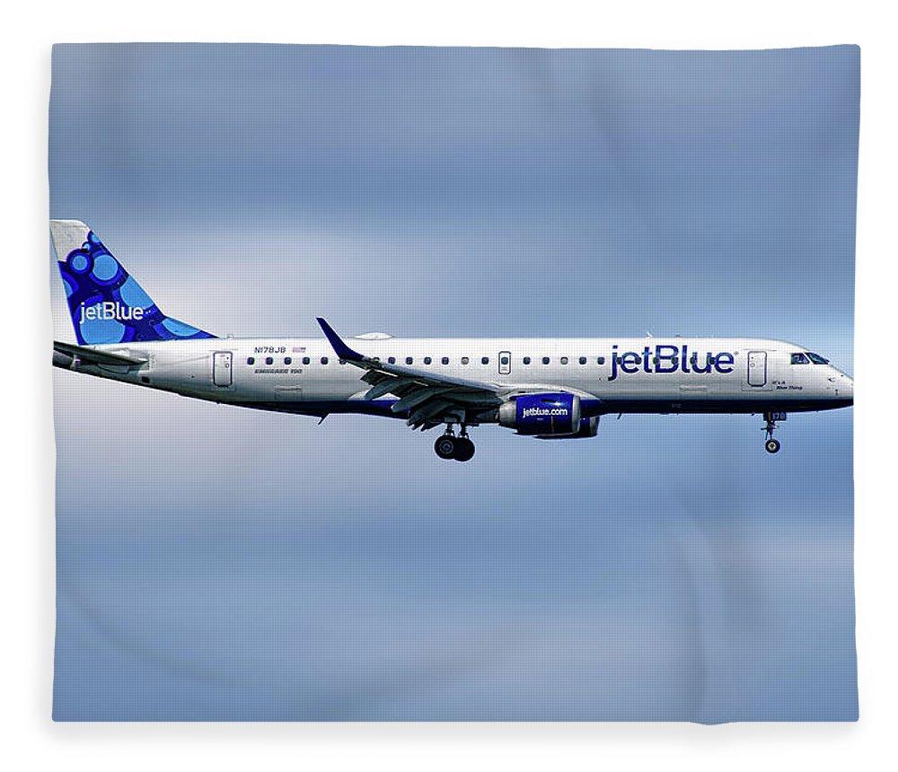 Jetblue Fleece Blanket featuring the mixed media Jetblue Airways Embraer Erj-190ar by Smart Aviation