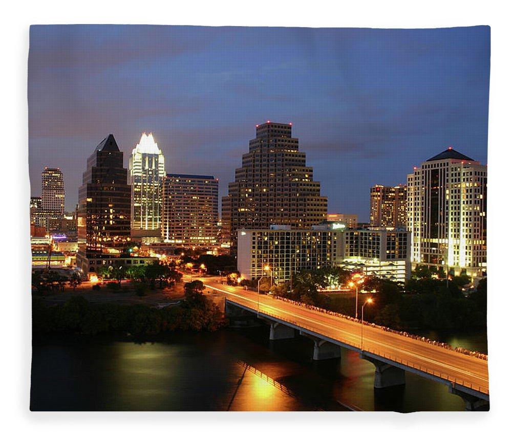 Water's Edge Fleece Blanket featuring the photograph Austin Texas Skyline - Unique by Xjben