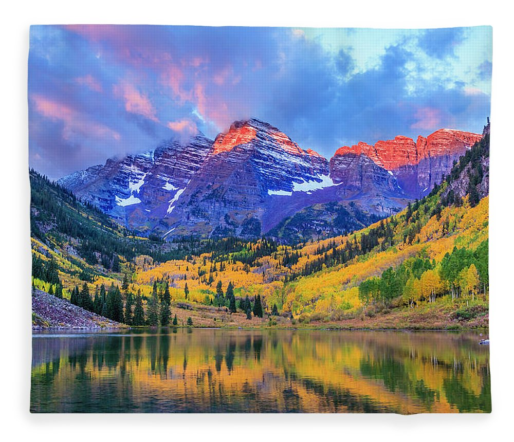 Scenics Fleece Blanket featuring the photograph Autumn Colors At Maroon Bells And Lake by Dszc