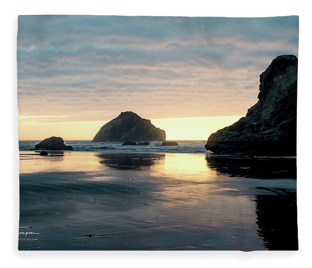 Bandon Beach Fleece Blanket featuring the photograph Bandon Beach Sunset 3 by Jim Thompson