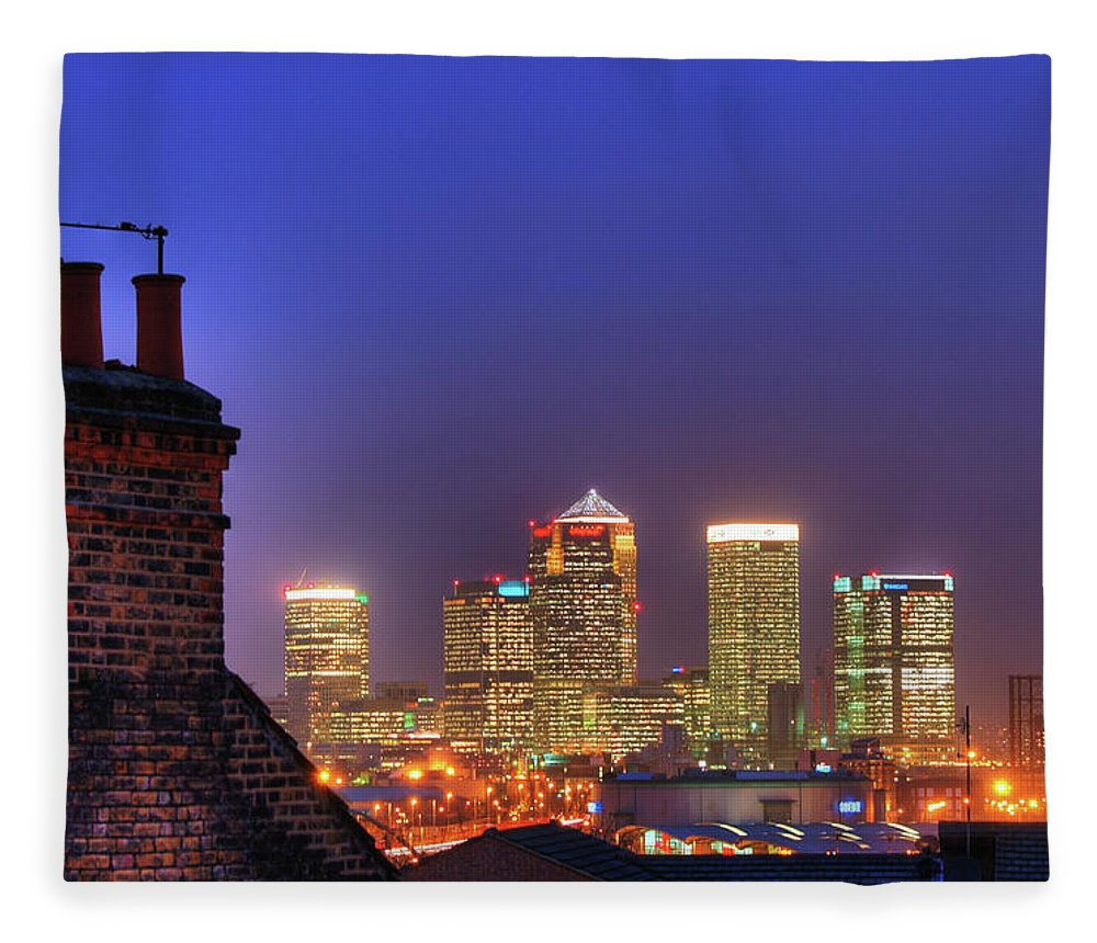 Clear Sky Fleece Blanket featuring the photograph Canary Wharf by Andy Linden