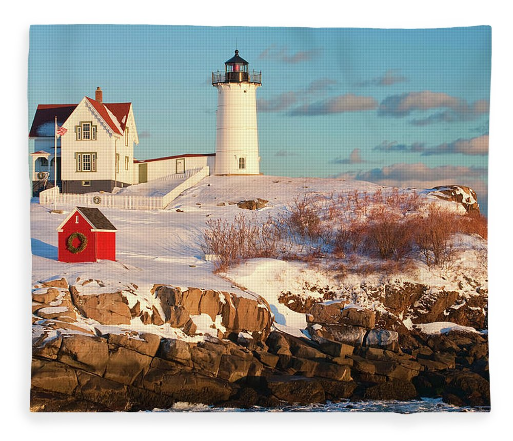 Snow Fleece Blanket featuring the photograph Cape Neddick Nubble Light by Kickstand