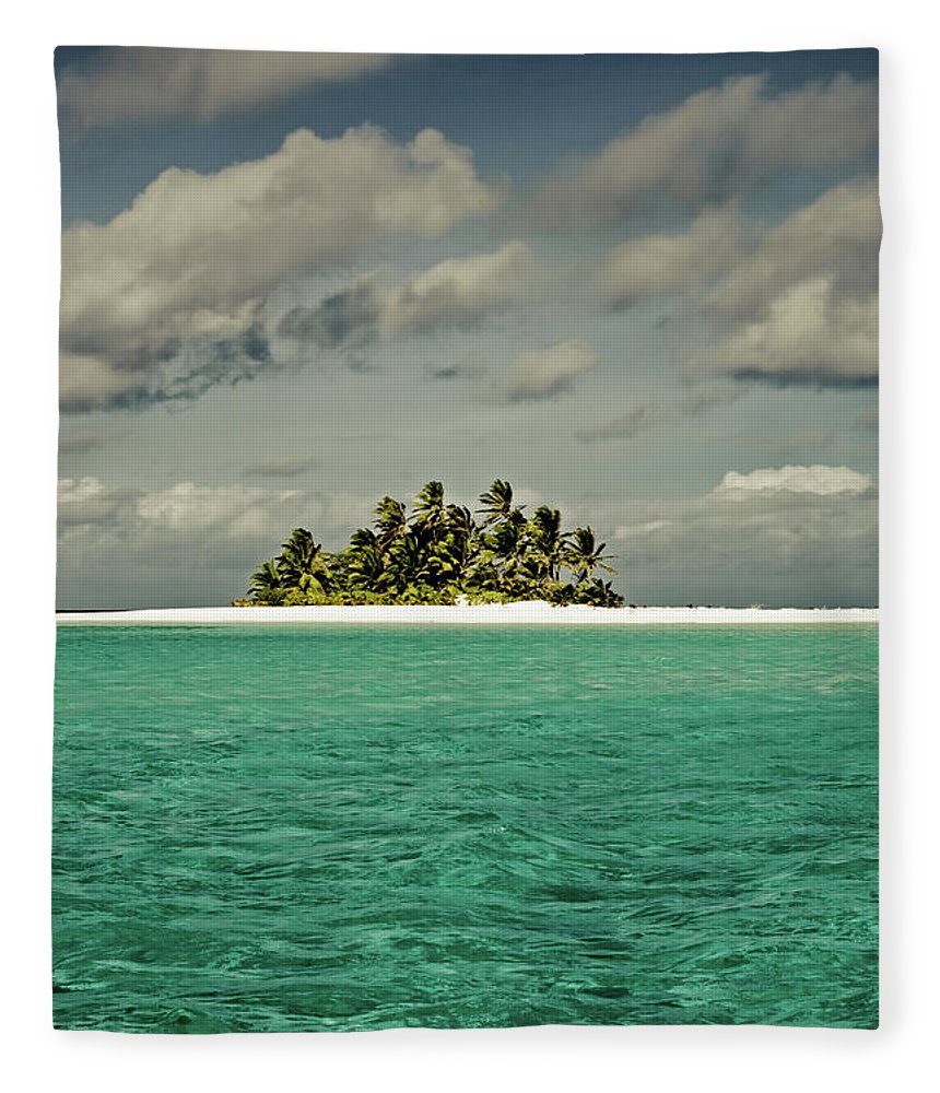 Scenics Fleece Blanket featuring the photograph Cocos Islands Indian Ocean by Mlenny