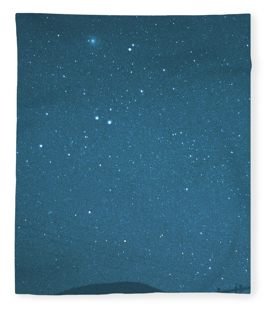 Comet Fleece Blanket featuring the photograph Comet Iras-araki-alcock And Star by Digital Vision.