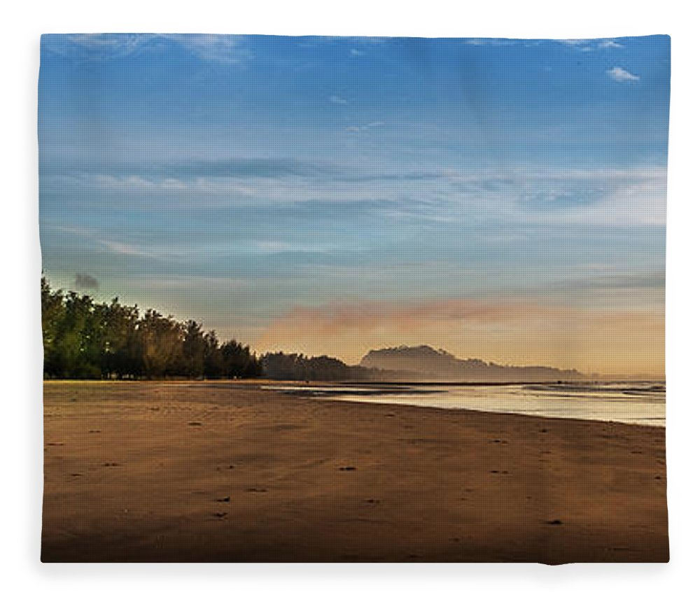 Tranquility Fleece Blanket featuring the photograph Eastern Edge Of Malaysia by Simonlong