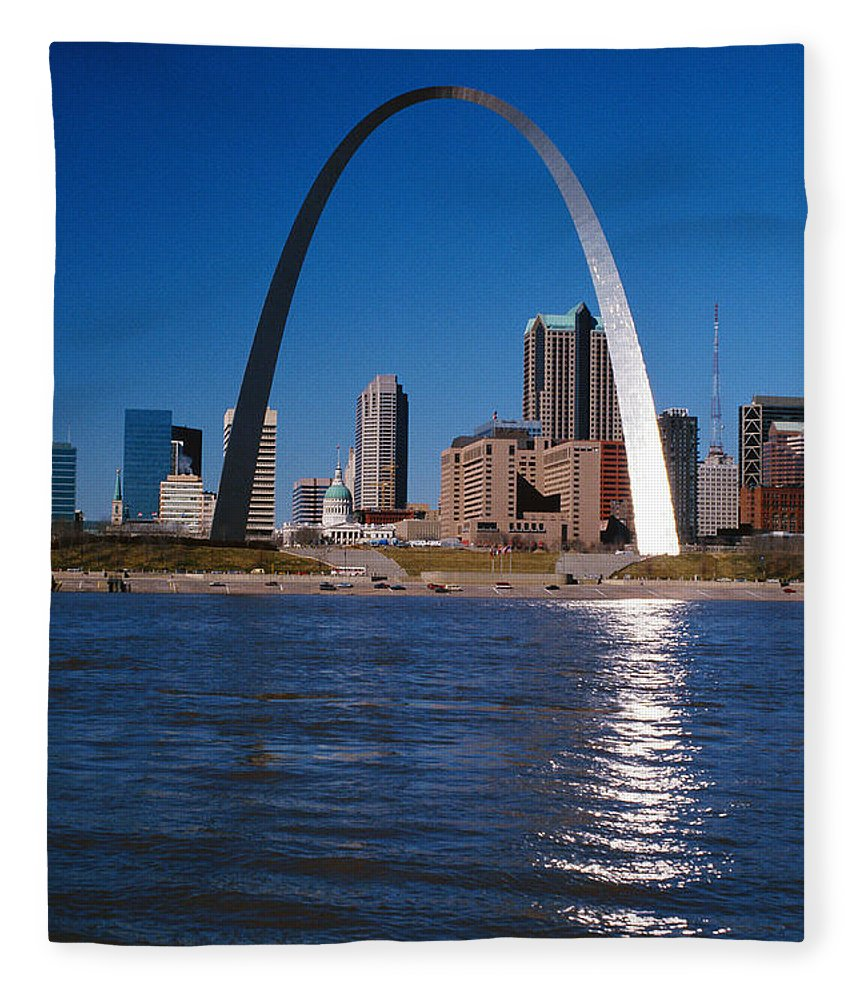 Arch Fleece Blanket featuring the photograph Gateway Arch In St Louis, Missouri by Stockbyte