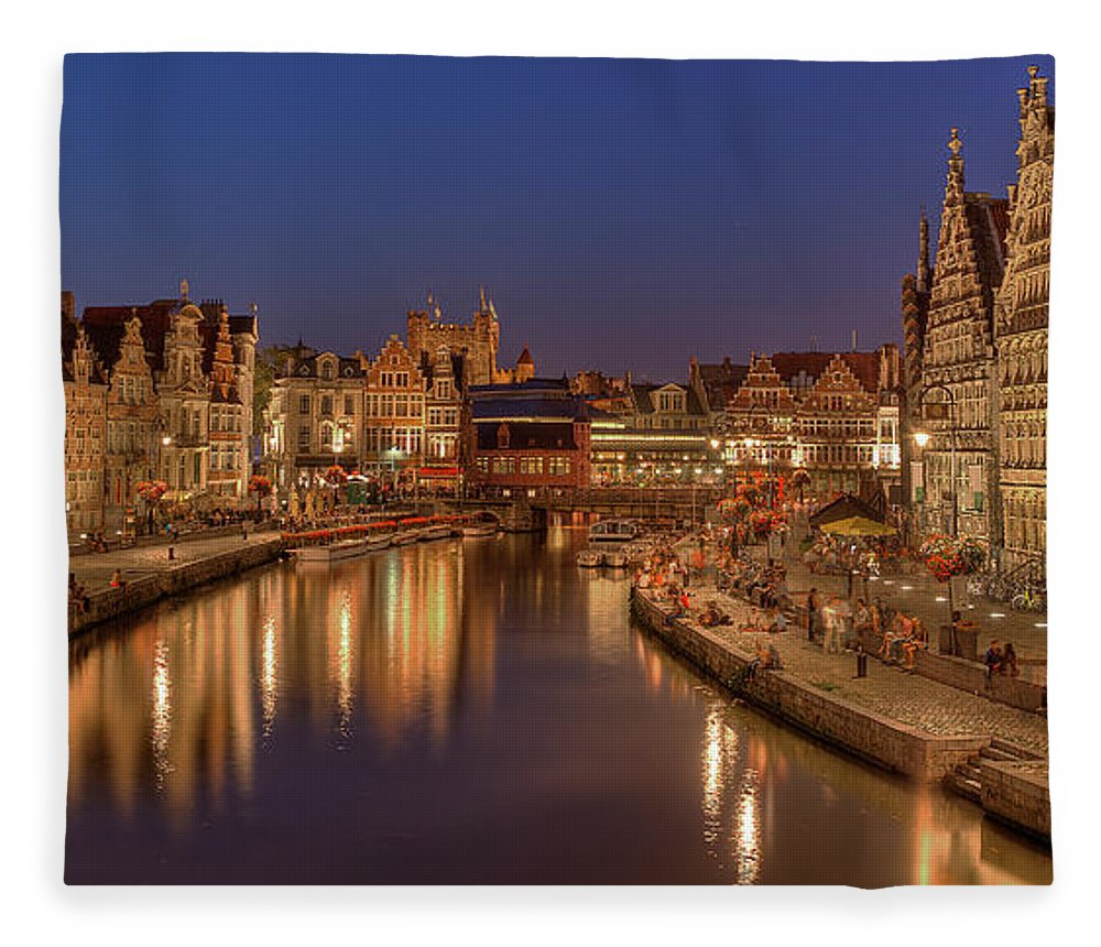 Tranquility Fleece Blanket featuring the photograph Gent - 03101119 by Klaus Kehrls