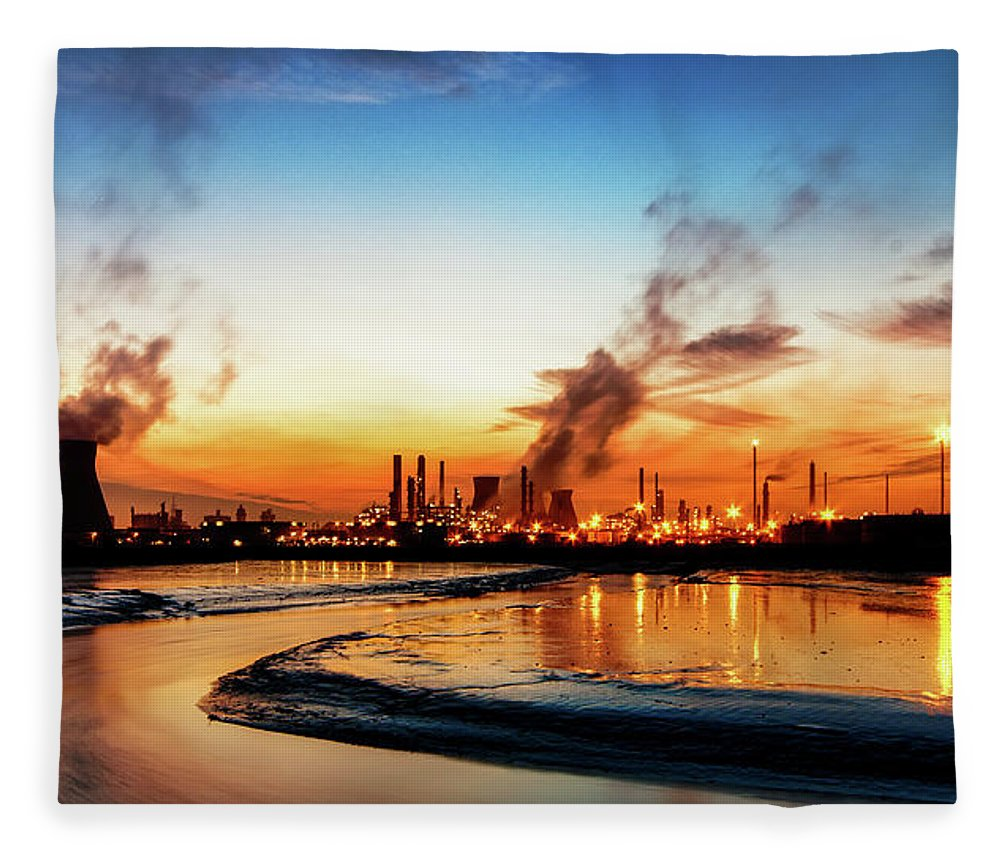 Tranquility Fleece Blanket featuring the photograph Grangemouth Oil Refinery by Scott Masterton