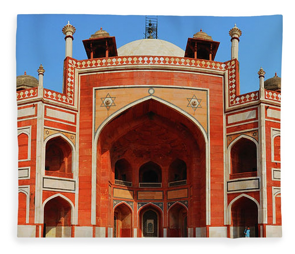 Arch Fleece Blanket featuring the photograph Humayuns Tomb, New Delhi by Mukul Banerjee Photography