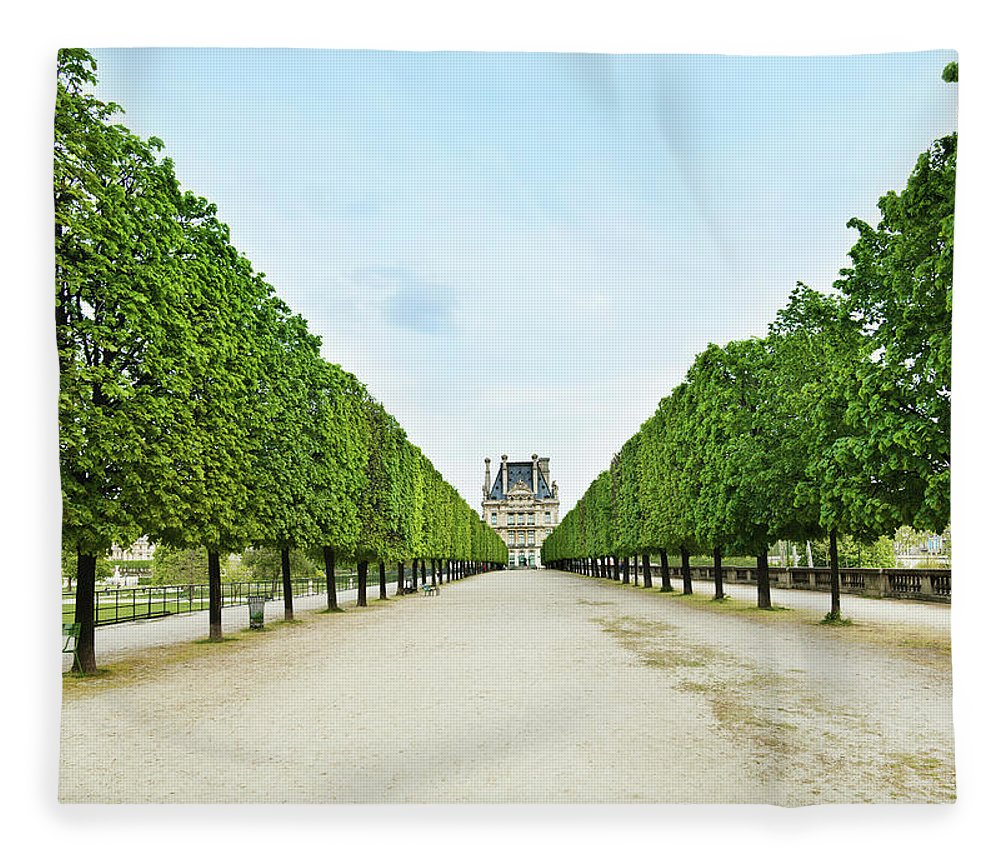 Scenics Fleece Blanket featuring the photograph Louvre In Paris by Nikada