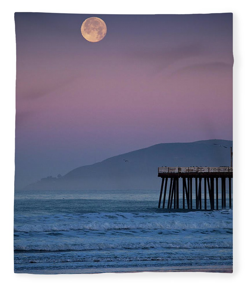 Pismo Beach Fleece Blanket featuring the photograph Moonset At Pismo Beach by Mimi Ditchie Photography