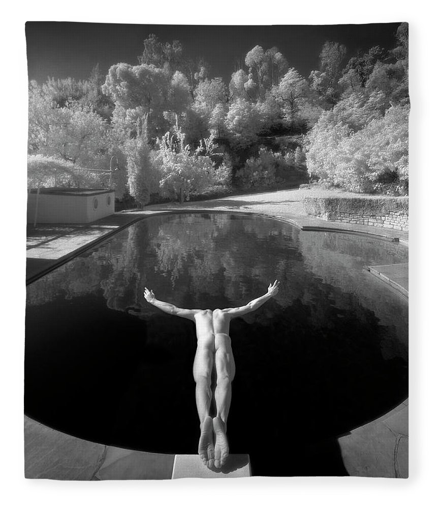 Diving Into Water Fleece Blanket featuring the photograph Nude Male Diving Into Dark Poolicarus by Ed Freeman