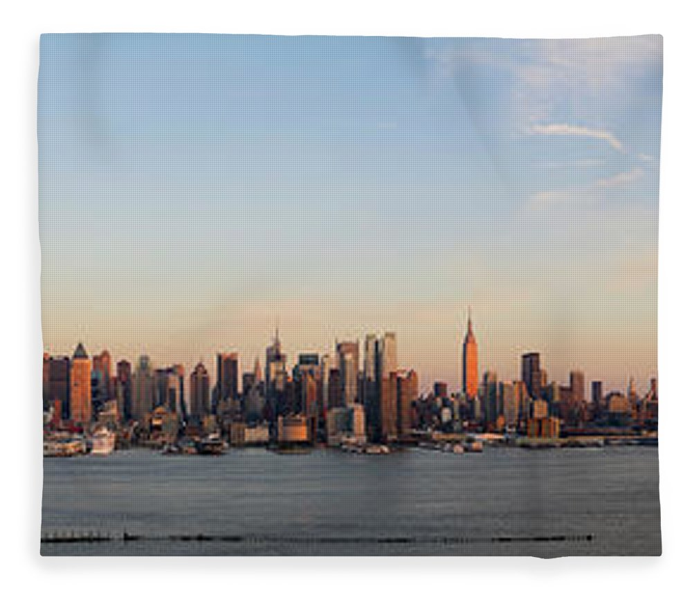Lower Manhattan Fleece Blanket featuring the photograph Panoramic View Of Manhattan At Sunset by Chrisp0