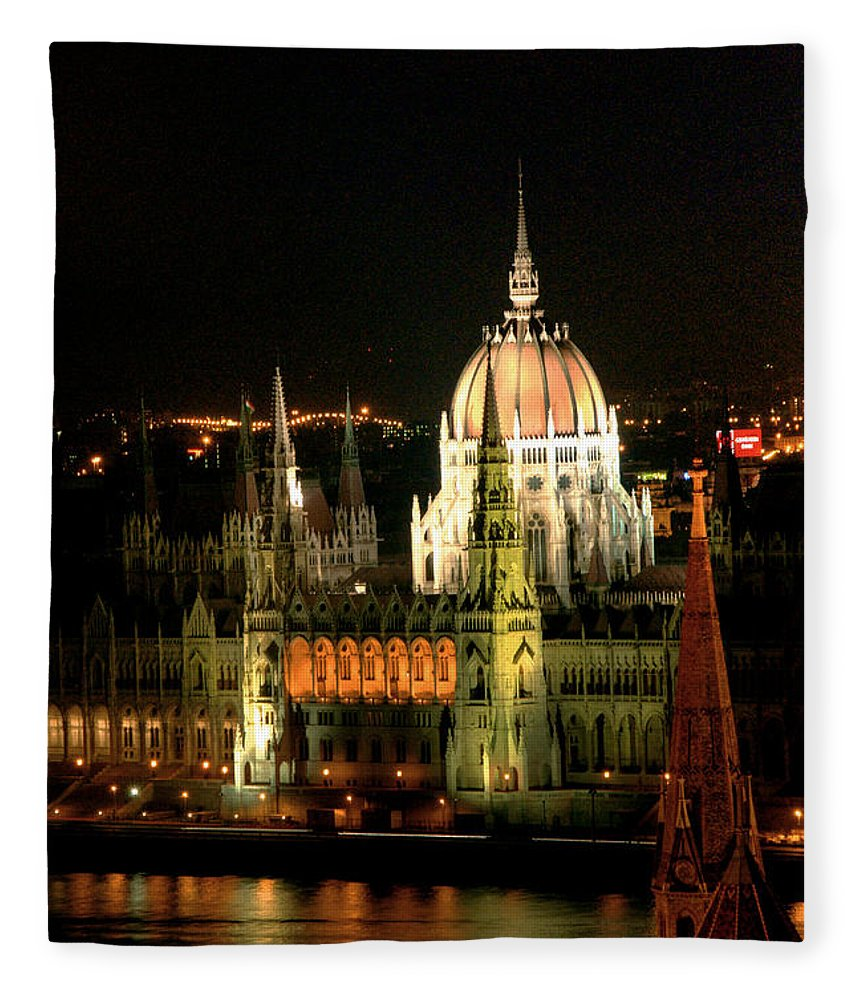Hungarian Parliament Building Fleece Blanket featuring the photograph Parliament Building Lit Up At Night by Roberto Herrero Garcia