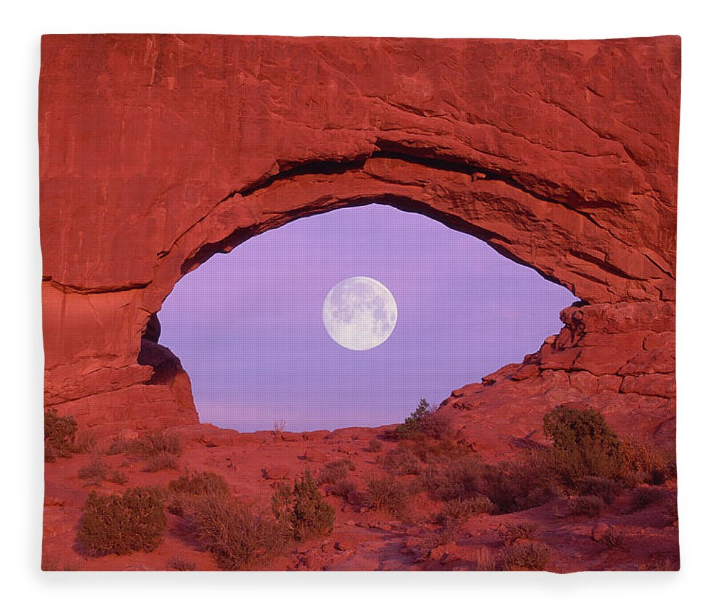 Scenics Fleece Blanket featuring the photograph Photographer At Window At Arches by Grant Faint