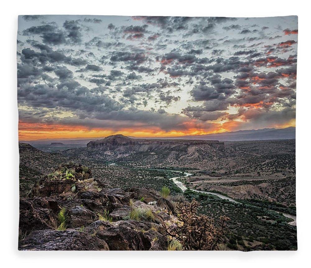 Rio Grande Fleece Blanket featuring the photograph Rio Grande River Sunrise 2 - White Rock New Mexico by Brian Harig