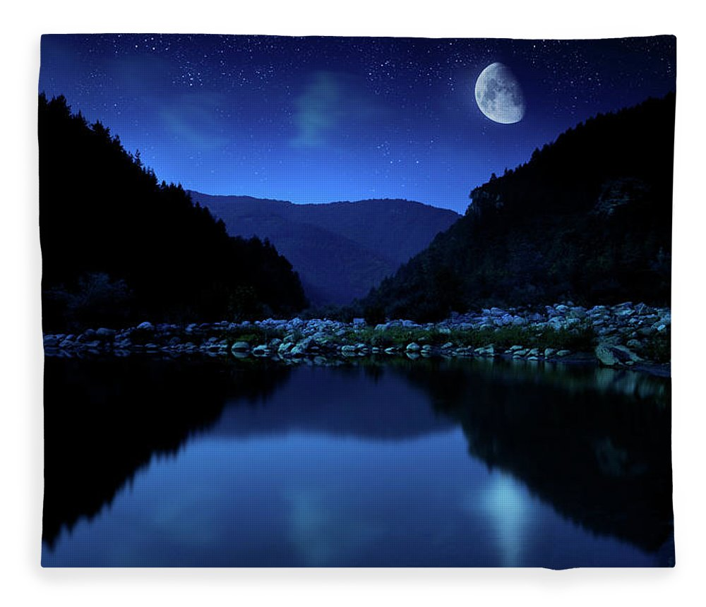 Water's Edge Fleece Blanket featuring the photograph Rising Moon Over Lake by Da-kuk