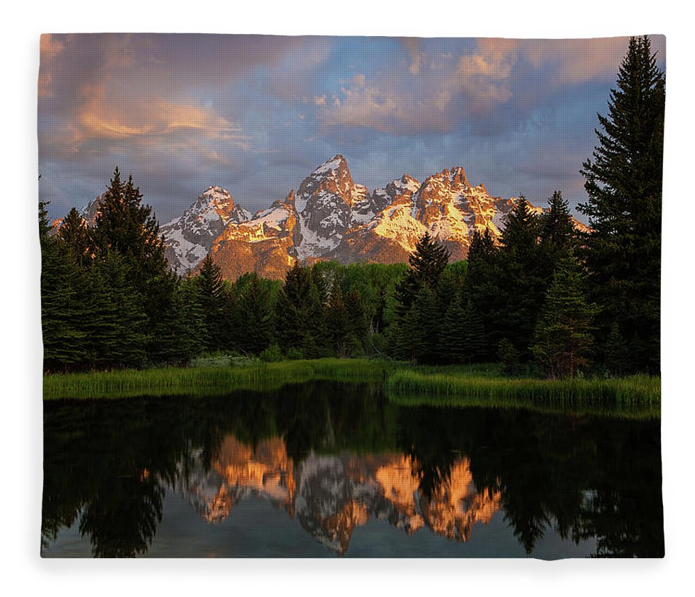 Tranquility Fleece Blanket featuring the photograph Schwabacher Sunrise by Hansrico Photography