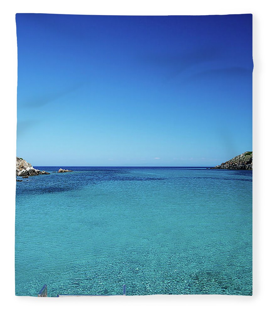 Scenics Fleece Blanket featuring the photograph Sea by Cactusoup