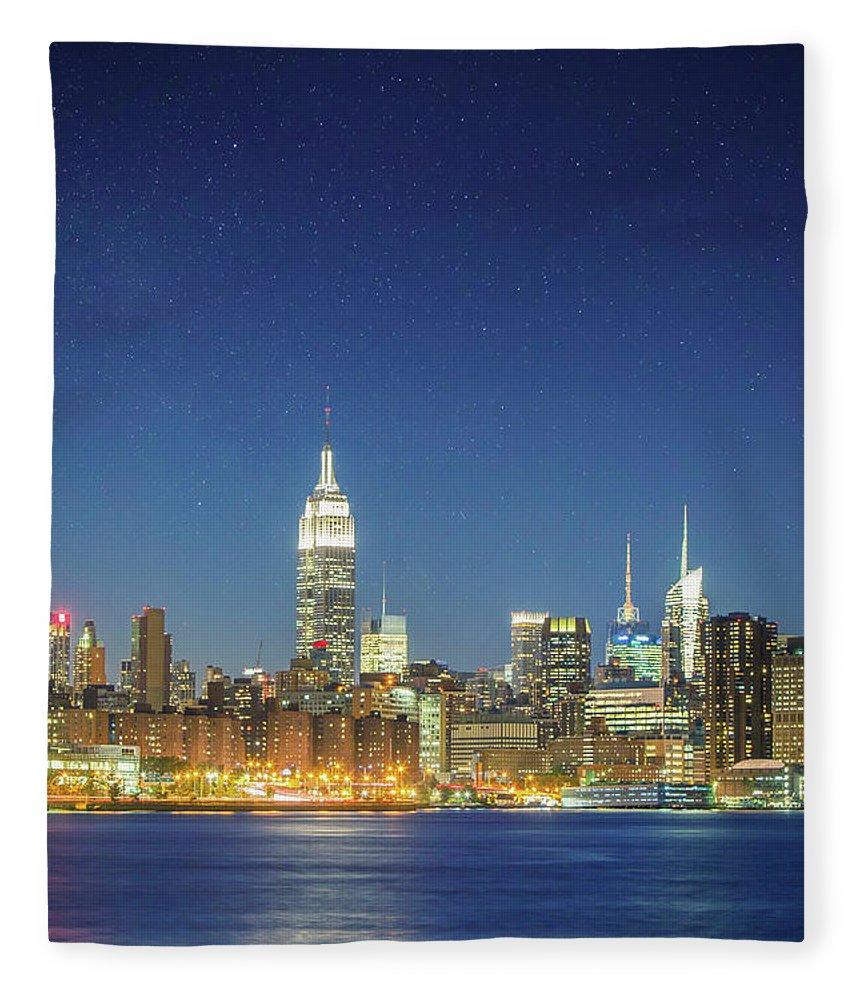 Scenics Fleece Blanket featuring the photograph Shiny New York by Xavierarnau