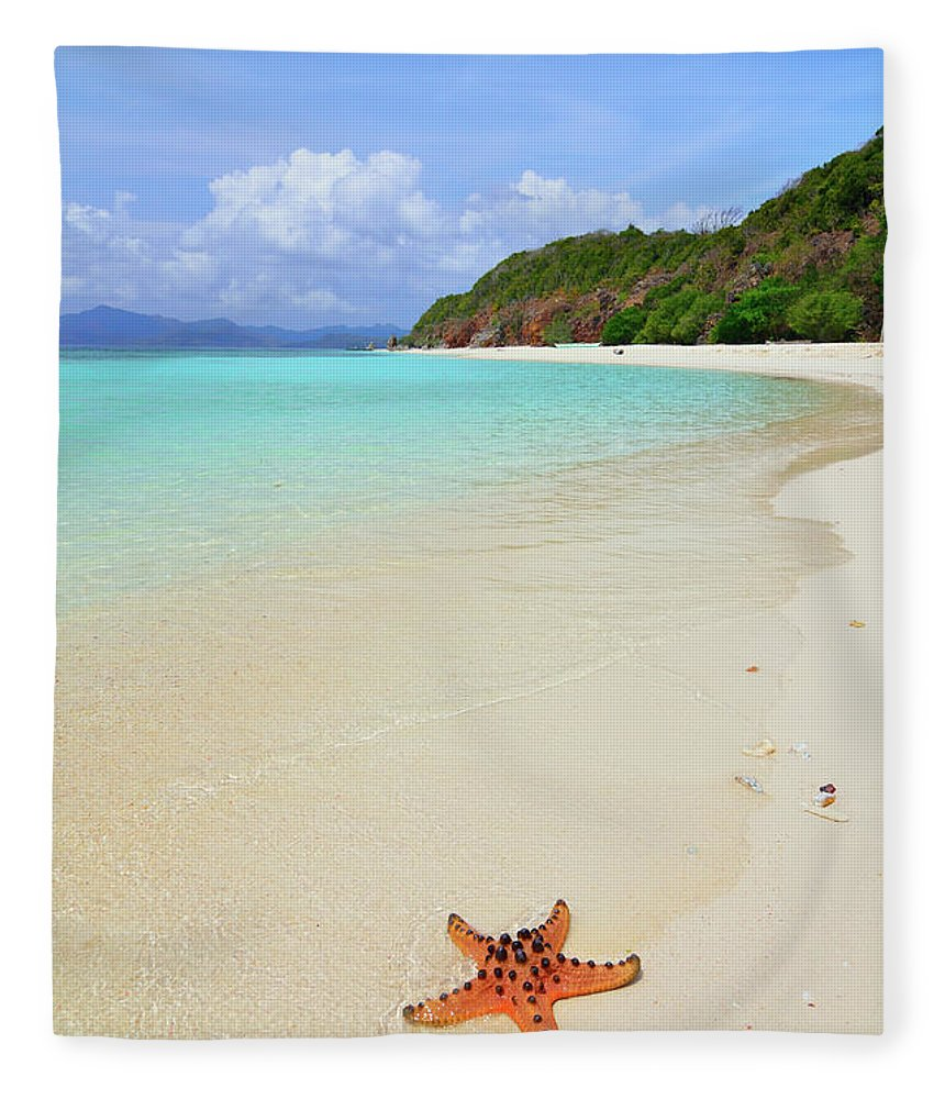 Water's Edge Fleece Blanket featuring the photograph Starfish On Beach Sand by Joyoyo Chen
