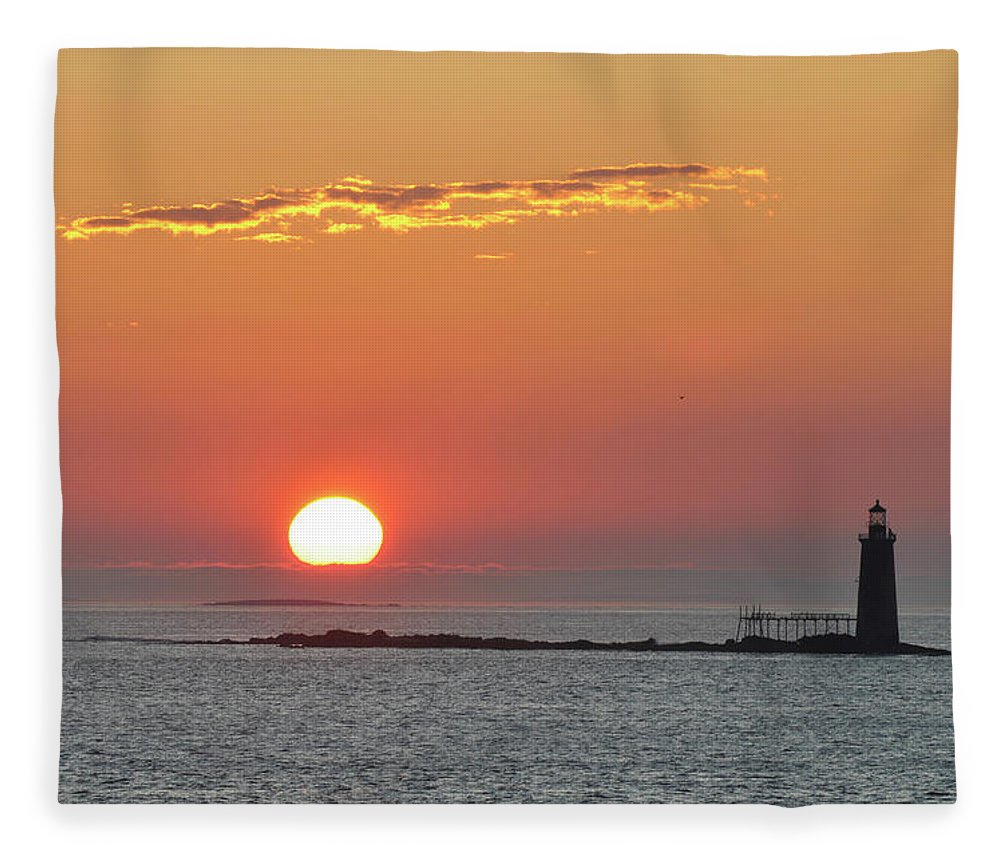 Scenics Fleece Blanket featuring the photograph Sunrise by Aimintang