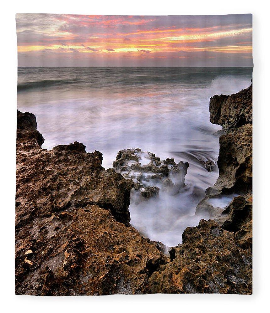Scenics Fleece Blanket featuring the photograph Sunrise In Blowing Rock Preserve by Shobeir Ansari