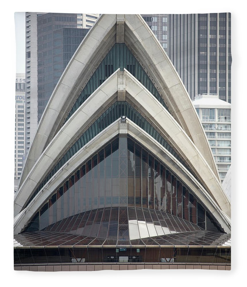 Built Structure Fleece Blanket featuring the photograph Sydney Opera House by Andrew Holt