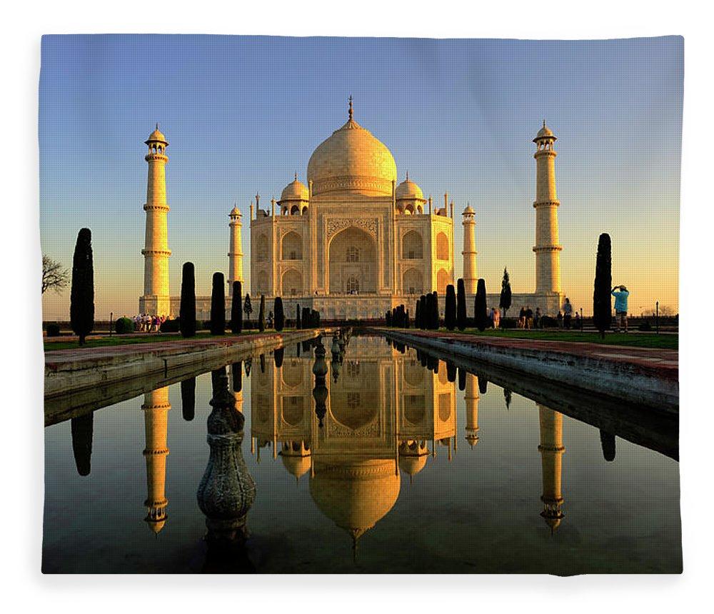 Clear Sky Fleece Blanket featuring the photograph Taj Mahal by Tayseer Al-hamad