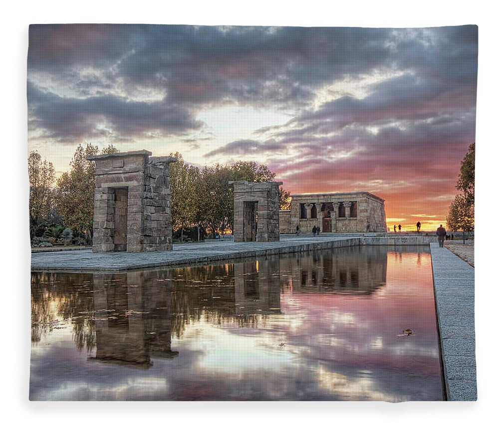 Arch Fleece Blanket featuring the photograph The Twilight Of The Gods by Servalpe